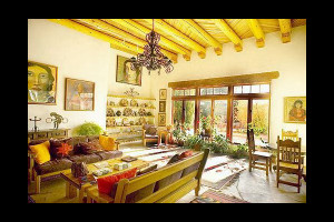 Interior view of Casa Benavides Bed & Breakfast.