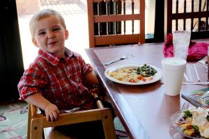 Family dining at Quartz Mountain Resort.