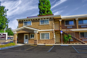 Exterior view of Regency Inn & Suites - Downey.