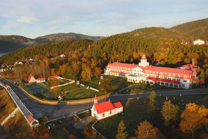 Exterior view of Hotel Tadoussac.