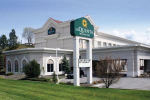 Exterior view of La Quinta Inn Coeur d 'Alene Appleway.