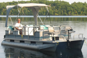 Pontoon at Cresthill Resort.
