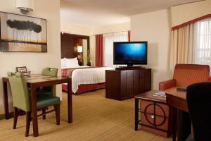 Guest room at Radisson Inn Sanibel Gateway.