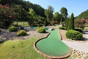 Mini golf at Eden Crest Vacation Rentals, Inc.