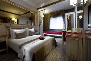 Guest room at Yasmak Sultan.