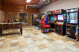 Video arcade at Holiday Inn Detroit Lakes.