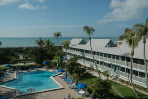 Outdoor pool at Surfrider Beach Club.