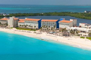 Aerial view of The Westin Regina Resort, Cancun.