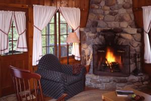 Big Tom Cottage living room at Elk Lake Lodge.