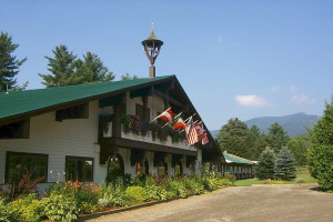 Northern Lights Lodge exterior.