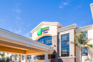 Exterior View of Holiday Inn Express & Suites Eureka