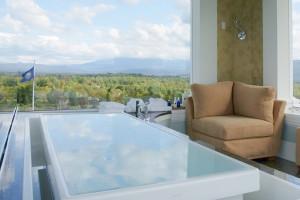 Spa tub at Mountain View Grand Resort.