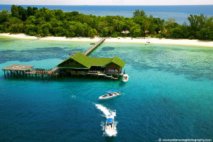 Aerial view of Lankayan Island Resort.