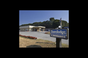 Exterior view of Travelodge Wall Spring Lake Belmar.