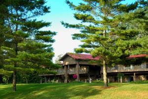 Exterior view of Oakwood Resort.