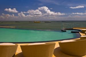 Infinity pool at Hyatt Regency Trinidad.
