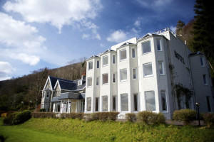 Exterior view of Lodge On The Loch Hotel.