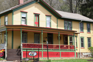 Exterior view of Barnard House Bed & Breakfast.