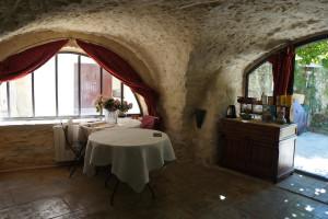 Dining at Château du Mazel.