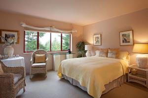 Guest bedroom at Renoir's Winter Garden.