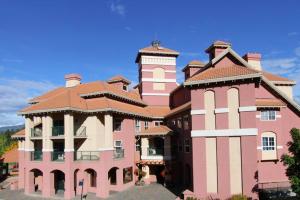 Exterior view of Borgata Lodge.