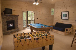 FAMILY ROOM AT CROCKETT TRAILS