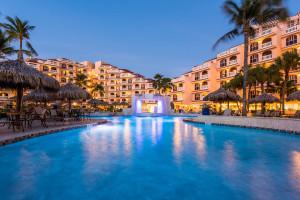 Outdoor pool at Playa Linda Beach Resort.