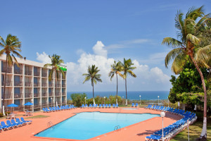 Outdoor pool at Holiday Inn Ponce & Tropical Casino.