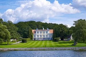 Exterior view of Krägga Herrgård.