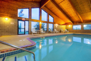 Indoor pool at AmericInn Lodge & Suites Two Harbors.