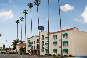 Exterior View of Comfort Inn Santa Monica - West Los Angeles