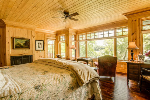 Guest bedroom at Stout's Island Lodge.