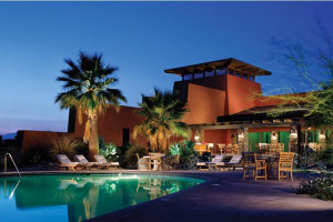 Exterior view of Club Intrawest Resort.