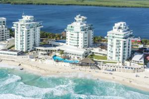 Aerial view of Yalmakan Cancun Hotel and Marina.