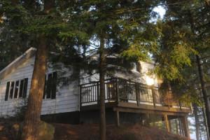 Cottage exterior at Sherwood Inn.
