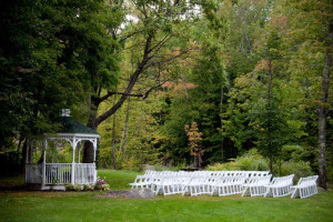 Outdoor wedding at The Wentworth.