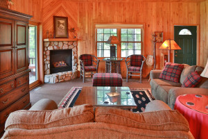 Guest cabin living room at Chippewa Retreat Resort.
