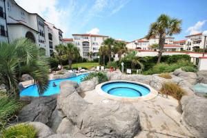 Outdoor Swimming Pool and Hot Tub at Villa Capriani
