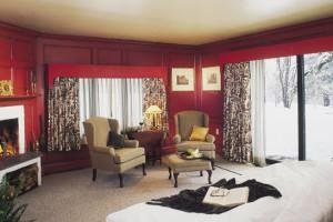 Guest room at Stowehof Inn & Resort.