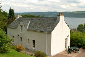 Cottage exterior at Loch Ness Cottages.