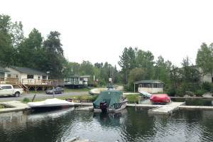 Exterior view of Dogtooth Lake Resort.