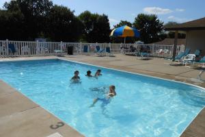 Outdoor pool at Mark Twain Landing.