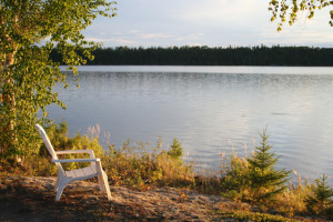 Birch Lake Lodge is conveniently located on the shores of Howey Bay