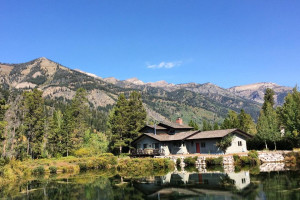 Rental exterior at Rendezvous Mountain Rentals & Management.
