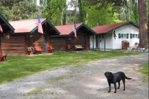 Exterior view of The Broken Arrow Resort.