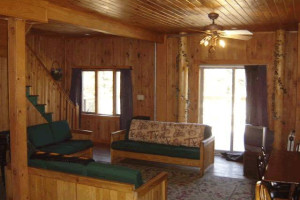Guest living room at Panther Lodging.