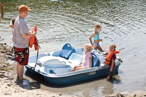 Paddle boat fun at The Retreat at Balcones Springs.