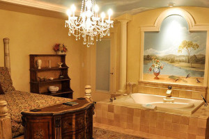 Guest suite with hot tub at Summer Creek Inn & Spa.
