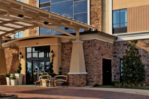 Exterior View of Holiday Inn Arlington NE - Rangers Ballpark
