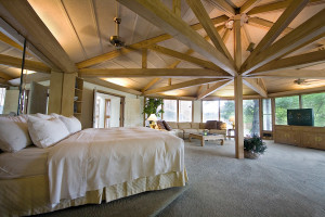 Guest room at The Lodge of Four Seasons.